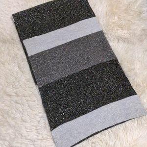 Express metallic stripe scarf